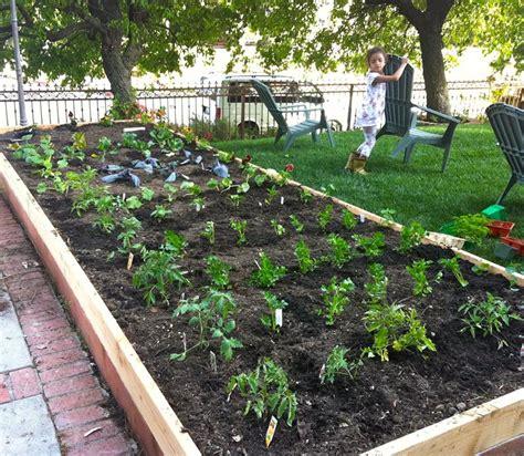 backyard vegetable garden design pictures 24 awesome ideas for backyard vegetable gardens page 2 of 5