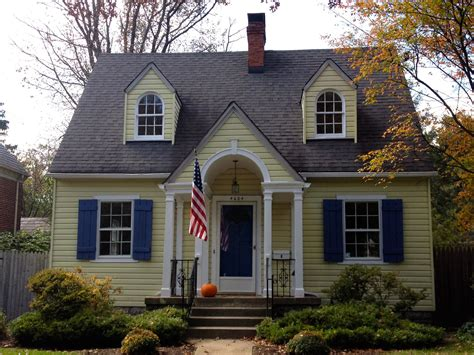 House With White Shutters by Yellow And White House With Blue Shutters Search