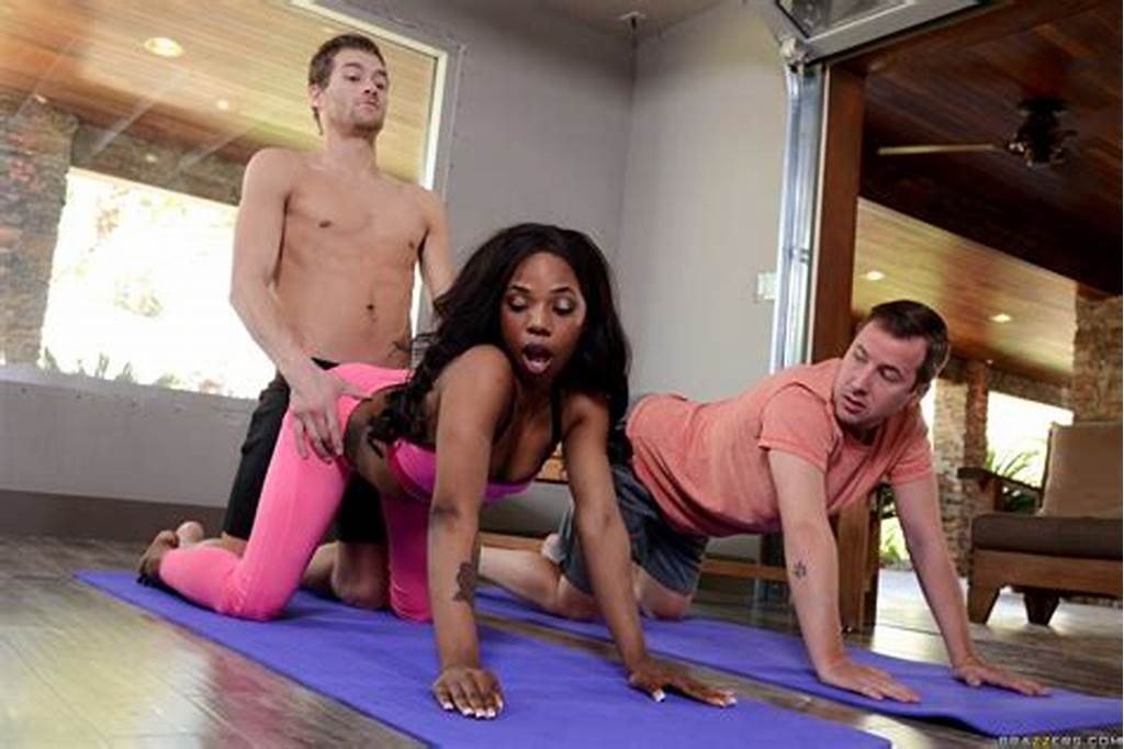 #Hot #Ebony #Freak #Gets #Double #Teamed