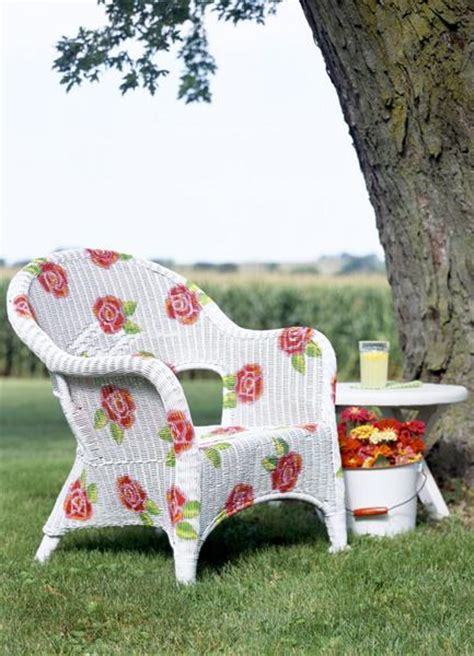 painting ideas for outdoor furniture and decoration in vintage style