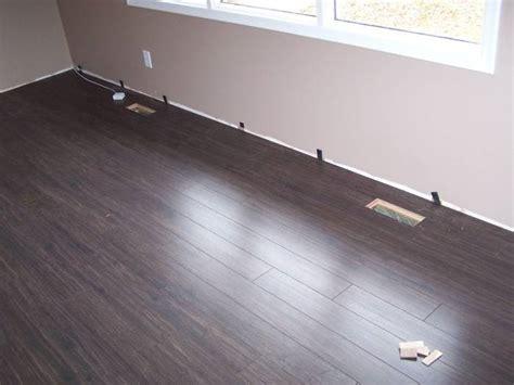 laminate flooring baseboard laminate flooring remove baseboard laminate flooring