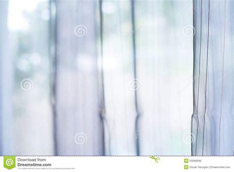 rideau transparent sur la fen 234 tre