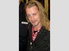 Macaulay Culkin Goes From One Addiction To Another