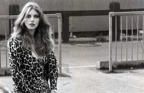 Bebe Buell Remembers David Bowie's Early Days in New York ...