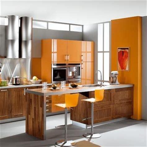 cuisine orange cuisine orange bois photo de côté cuisine les ateliers