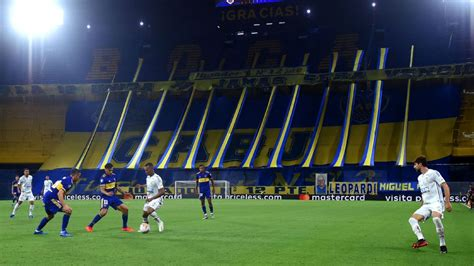 Santos team bus stoned after Copa Libertadores semifinal ...