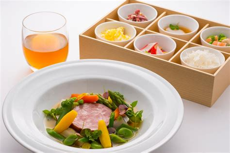 premium cuisines airlines 39 premium class menu destinasian