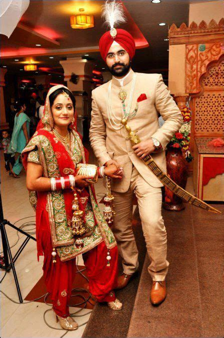 See more of pakaian couple online on facebook. Pin on South Asian weddings :)