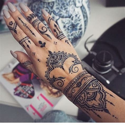 gorgeous henna tattoos youll  dying