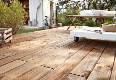 leroy merlin terrasse bois installer une terrasse en bois travaux