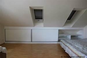 Kommode Für Dachschräge : stauraumschrank unter der dachschr ge minimalistisch ~ Lizthompson.info Haus und Dekorationen