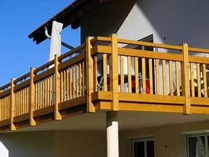 Holzbalkon Selber Bauen : holzbalkon gro balkone gel nder terrasse zum wohlf hlen pinterest holzbalkon ~ Whattoseeinmadrid.com Haus und Dekorationen