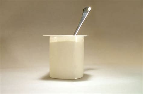 ist joghurt gesund probiotischer joghurt alles andere als gesund apotheken wissen de
