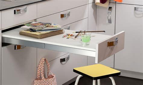 table cuisine escamotable tiroir table et chaises comment aménager le coin repas dans la