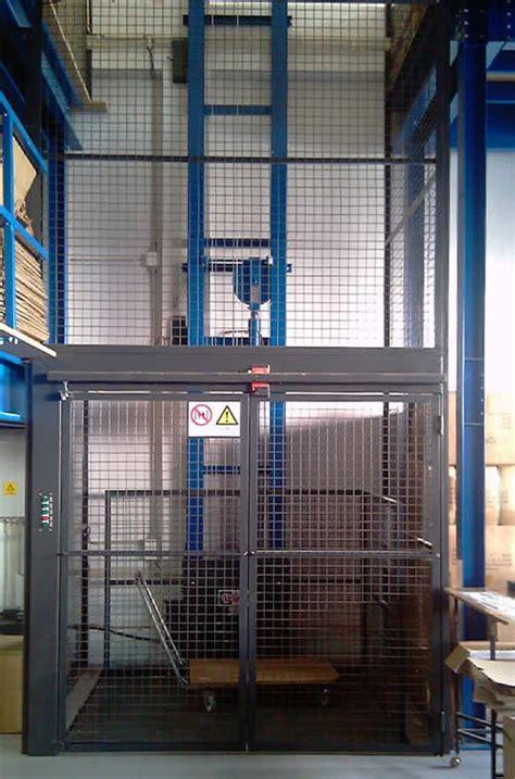 elevador monta carga automotivo industrial comercial