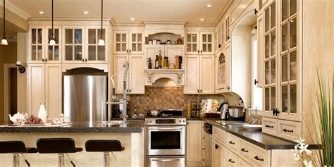restauration armoires de cuisine en bois chalet de montagne cuisine bois chêne stratifié