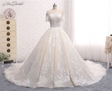 Luxury New Long Wedding Dress 2018 Boat Neck Short Sleeves