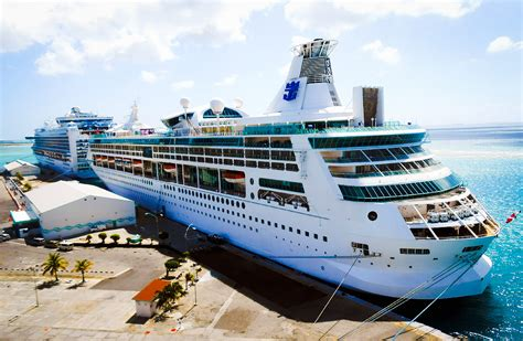 Can You Smoke On A Cruise Ship | Fitbudha.com