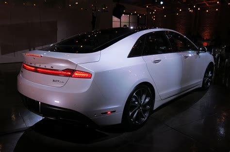 lincoln mkz   review motor trend