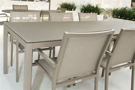 table de jardin design en aluminium  verre grana la