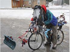 Fahrrad zum Schnee räumen Lustiges Bild