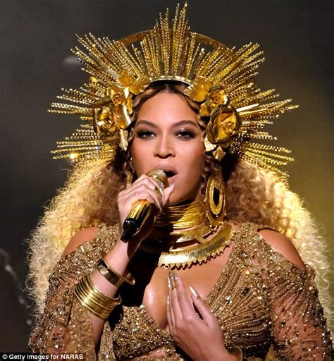 Beyoncé's 2017 Grammy Awards Beauty Look | Daily Mail Online