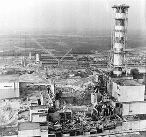 An aerial view of the Chernobyl Nuclear Power Plant before ...