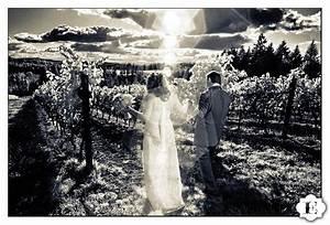 Oregon fall vineyard wedding reception for Affordable wedding photography portland