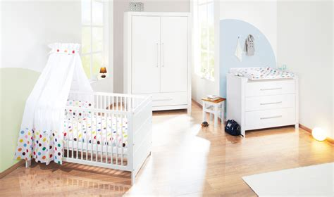 ma chambre de bébé chambre bébé puro massif lasuré blanc avec armoire