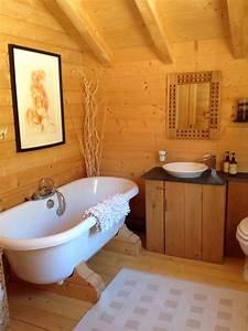 interieurs et meubles esprit chalet With interieur salle de bain moderne