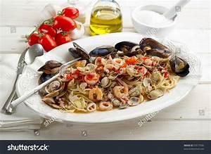 Scoglio Spaghetti Traditional Italian Seafood Recipe Stock ...