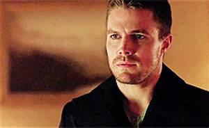 Oliver Queen Surprise GIF - Find & Share on GIPHY