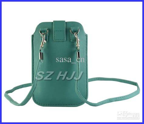 smartphone carrying universal smartphone wallet carrying crossbody bag