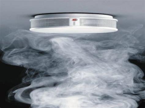 rauchmelder schlafzimmer ohne blinken rauchmelder die nicht blinken brandbek 228 mpfung sprinkler