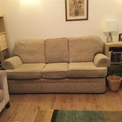 M S Settees by M And S Settee And 2 Chairs Reduced Price In Paisley