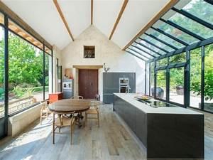 cote jardin une verriere de style industriel maisonapart With extension maison en l 19 cuisine style industriel