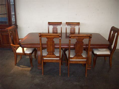 thomasville cherry table chairs beautiful lighted