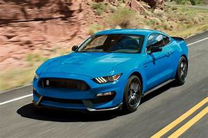 2017 Ford Mustang: New Car Review - Autotrader