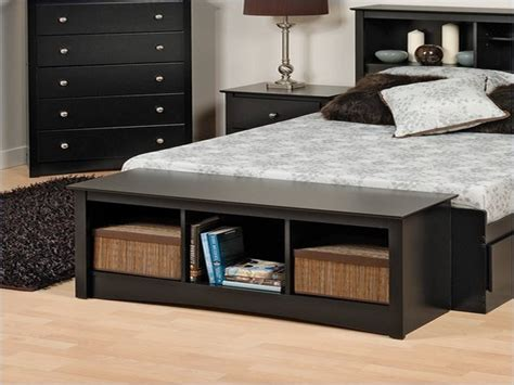 End Of Bed Storage Bench : Modern Bedroom with Brown