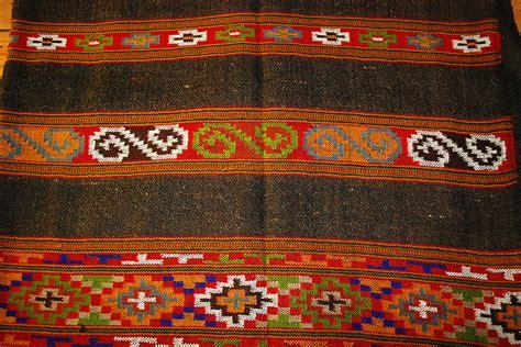 dsource design gallery  kullu  kinnauri shawls