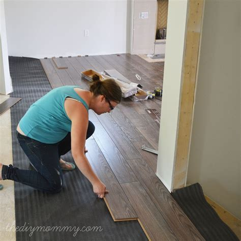 installing  laminate flooring  diy house jerry