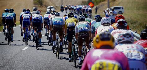 """A work in progress for 2021 tour de france live and delayed coverage. Prudhomme over Tour de France 2021: """"Vier tot vijf ..."""