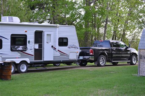 5 smart and easy tips for towing a trailer mogul