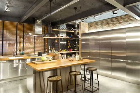 luxurious loft shocks  beautiful amenities