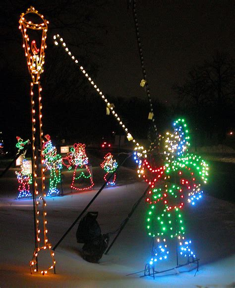 ibew holiday lights glow through new year s day in phalen