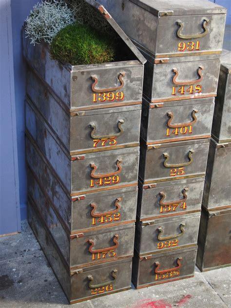 coffre a la banque prix coffre banque 28 images ancien grand coffre de banque en metal coffre de banque 1900 le