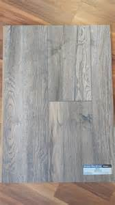 what color should walls be painted to match harbor oak grey flooring a