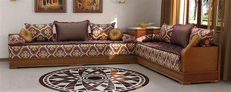canape tissu taupe des accessoires déco pour salon marocain déco salon marocain
