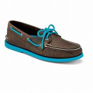 Buy Men s Boat Shoes in Canada SHOP CA