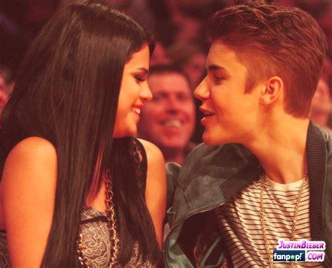 Justin Bieber Selena Gomez Kissing Games Justin Bieber